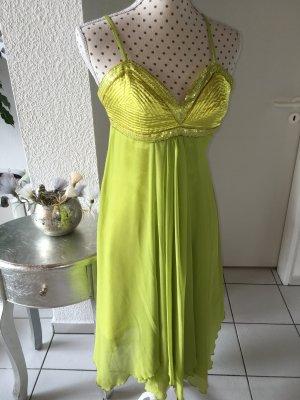 Apart Vestido de chifón verde pradera