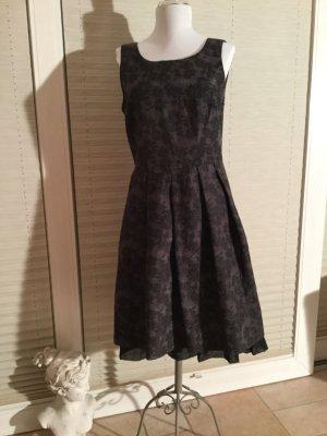 Festliches Kleid von More&More