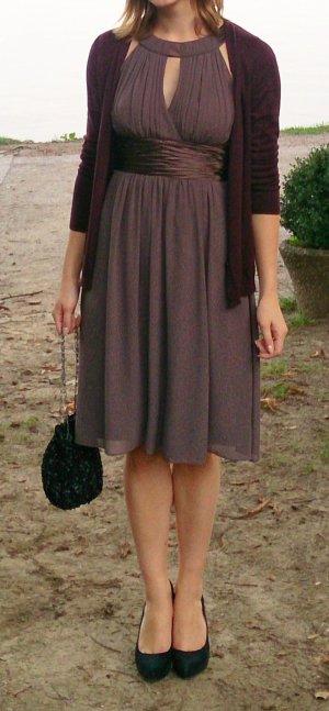 Festliches perfekt geschnittenes Kleid