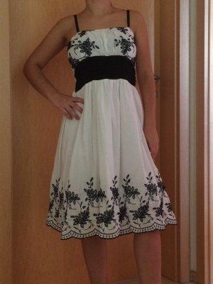 Festliches Sommerkleid schwarz, weiß, Stil: Bayern, Dirndl, Kleid