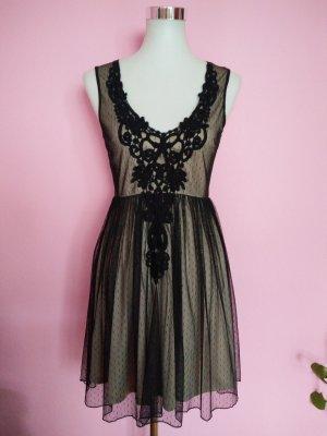 Festliches Tüllkleid in schwarz/beige mit tollen Details
