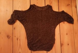 Cut Out Top black-gold-colored