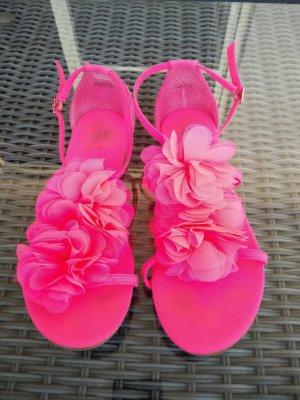 *Festpreis* Sandalen in neonpink mit Blumen