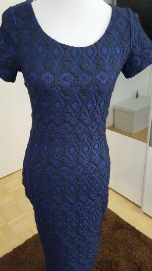 Figur betontes kleid gr.36