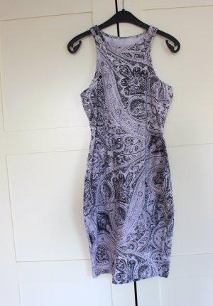 Figurbetonendes Kleid 36