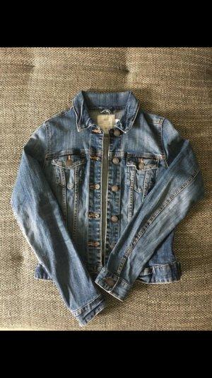 Figurbetonte Jeansjacke der Marke H&M
