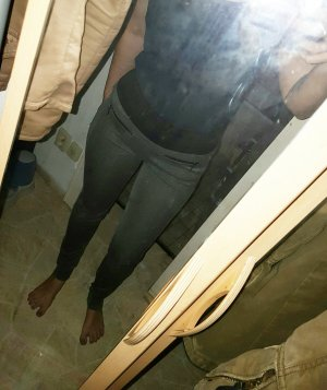 figurbetonte leggins hose