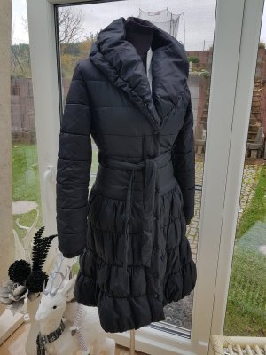 figurbetonter schwarzer Steppmantel, kuscheliger Wintermantel Gr. 36