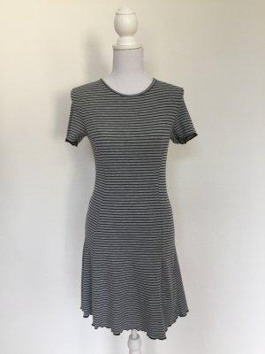 H&M Vestido estilo camisa gris-negro