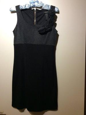 Figurbetontes Kleid in grau/schwarz