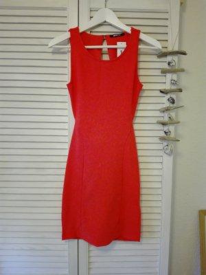 Figurbetontes Kleid in Tangerine/Orange mit Rückenausschnitt - Neu mit Etikett!