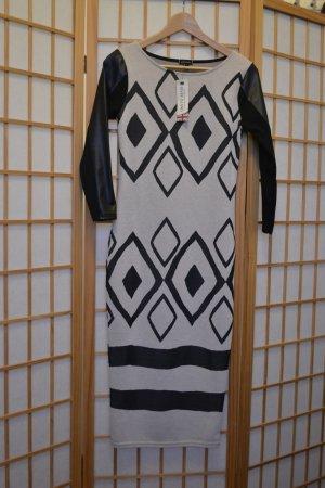 Figurbetontes Kleid mit Lederärmeln