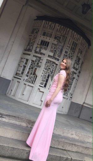 Figurbetontes Kleid mit schleppe
