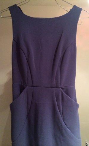 Figurbetontes Kleid mit Taschen
