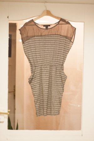 Figurbetontes Kleid von Mango