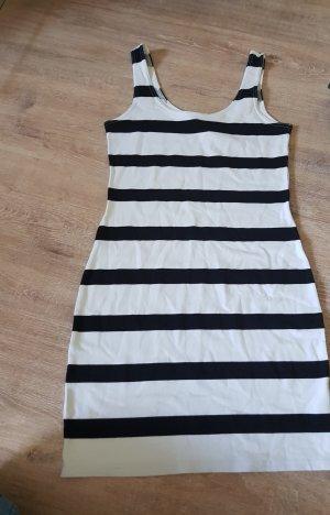 Figurbetontes Kleidchen von H&M Größe36 in schwarz weiß