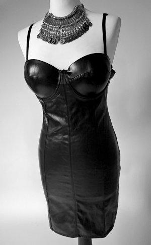 Figurbetontes Kurzes Kleid aus Lederimitat in Schwarz