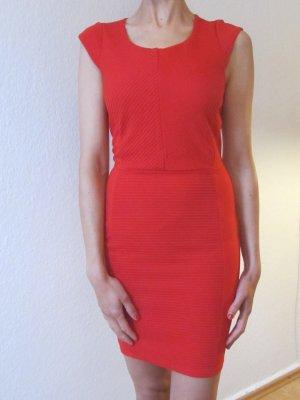 H&M Vestido elástico rojo ladrillo Viscosa