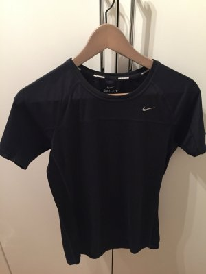 Figurbetontes Sport- Shirt