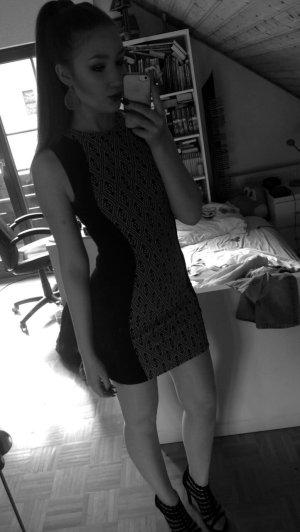 Figurbetontes, tolles Kleid