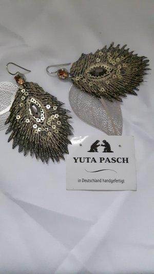 Filigrane wunderschöne Ohrhänger von Yuta Pasch