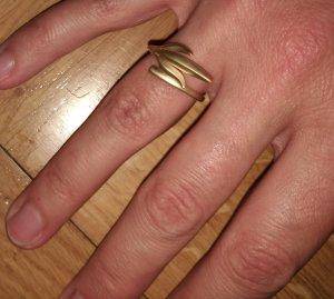 Filigraner, goldener Ring