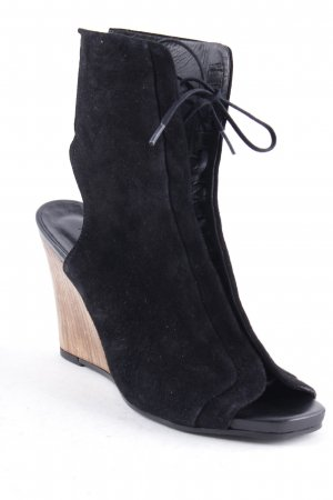 Filippa K Cut-Out-Stiefeletten schwarz Street-Fashion-Look