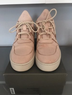 Filling Pieces Nude