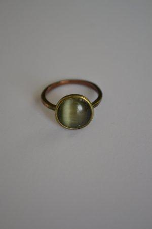 Fingerring mit grünem Stein bronzefarben vintage
