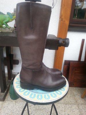 Firenze Stiefel Gr. 39 mit einer dickeren Sohle.