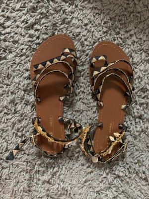 Sandales à lanière noir-doré