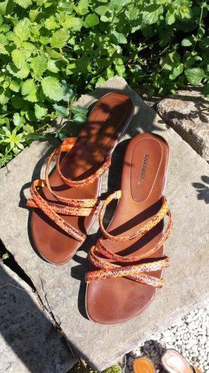 flache Sandalen von Graceland