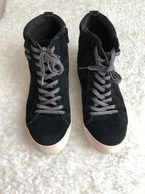 Flache Schuhe aus Wildleder