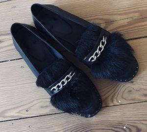 Flache Schuhe mit abnehmbarem Fell von Maje