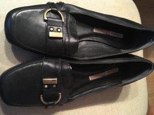 Flache Schuhe von Buffalo