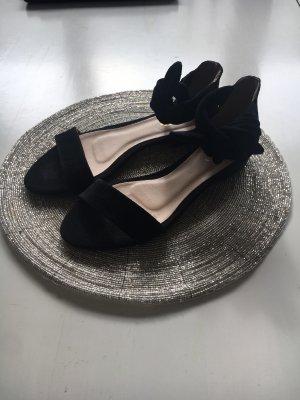 Flache Veloursleder Sandale zum binden