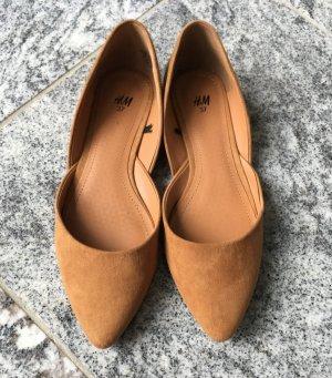Flacher Schuh/Ballerina, mit zulaufender Spitze