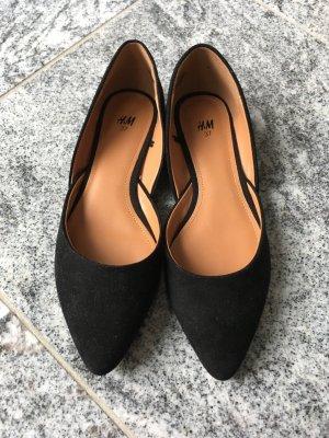 Flacher Schuh/Ballerina mit zulaufender Spitze