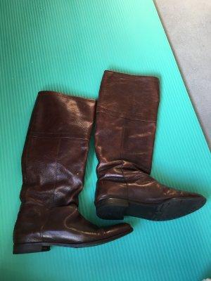 Flacher Stiefel aus Leder in Gr. 38
