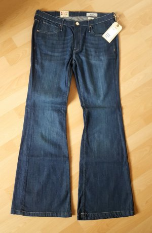 Flared Blue-Jeans, NEU