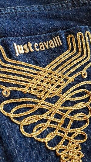 Flared-Jeans mit bestickter Gesäßtasche