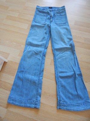 Flared Jeans von H&M