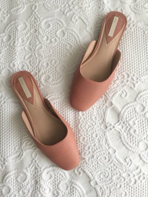 Flats / Mules in Nude aus Leder