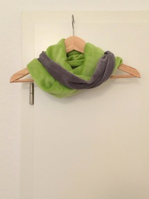 Snood grey-green