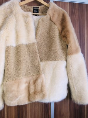 Flauschige Jacke