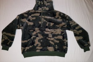 Flauschiger Camouflage Pullover