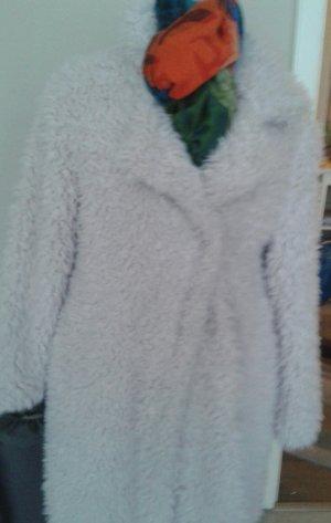 Flauschiger Mantel sucht neue Besitzerin