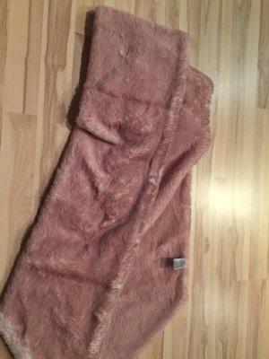 Flauschiger Schal von Esprit