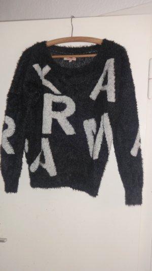 Flauschpullover mit Buchstaben