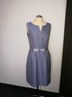 Flieder farbenes Kleid in Größe 40
